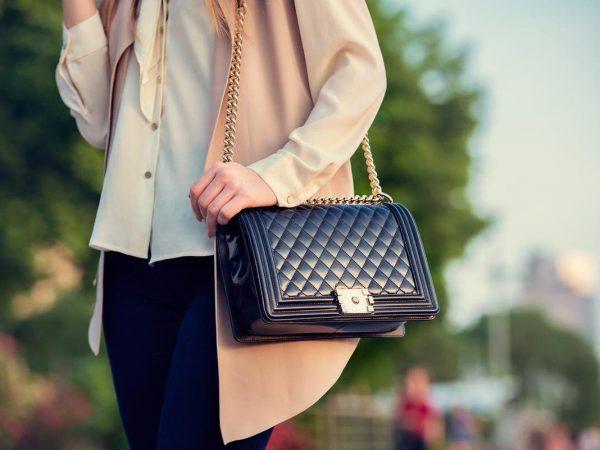 What To Put Inside Your Handbag?